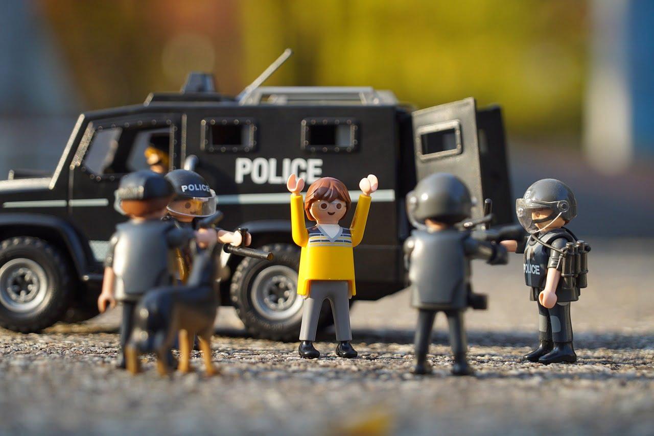 なぜ違法動画で逮捕されるのか?