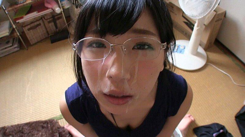 メガネっ娘に顔射(ぶっかけ)エロ画像